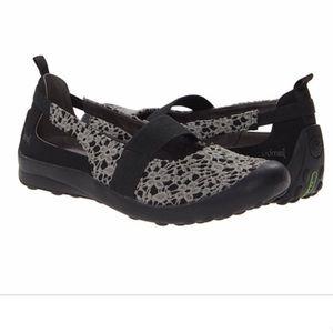 Jambu Women's 'Delilah' Casual walking  Shoes